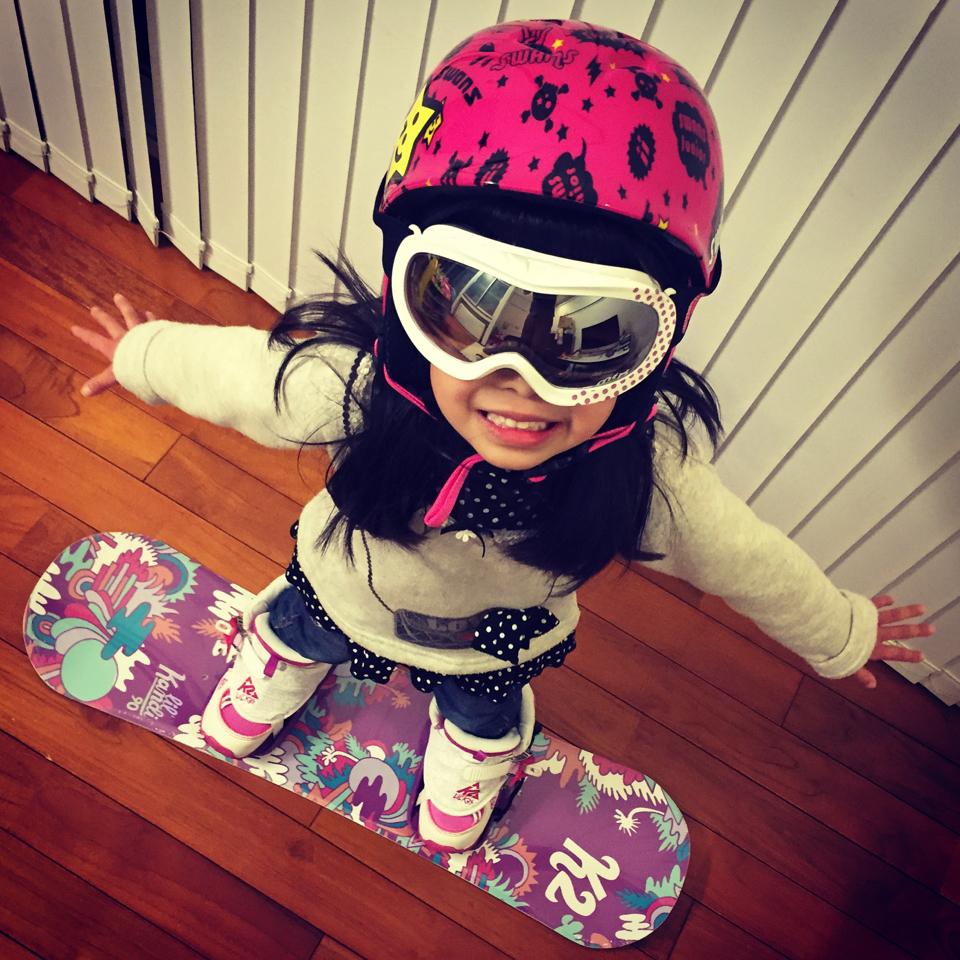 akari_snowboarding